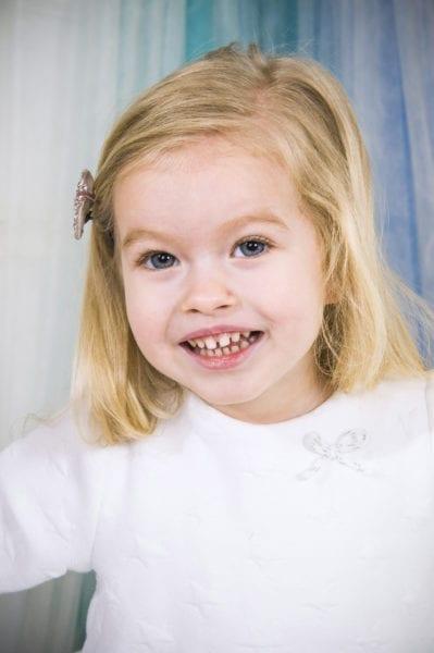 Детская улыбка на фото