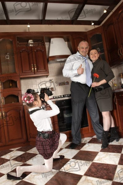 Семейная фотосессия на кухне 2